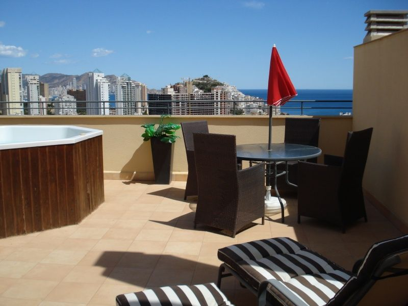Enjoy the roof top terrace with table and chairs for alfresco dining, sunbeds and a hot tub jacuzzi.